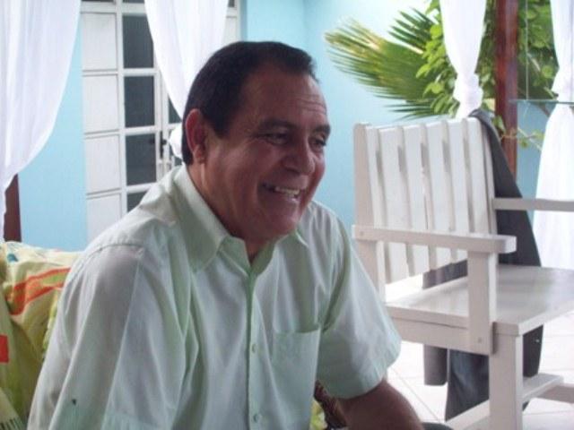 * Coligação do prefeito Ademar Ferreira teria sido multada pela justiça eleitoral.