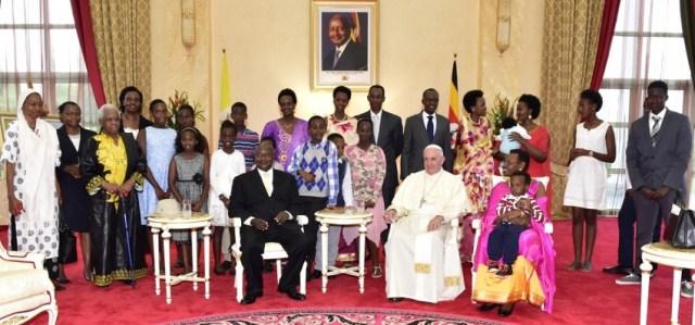 zz Papa-FRancisco_durante-visita_Uganda_28112015_008-850x397