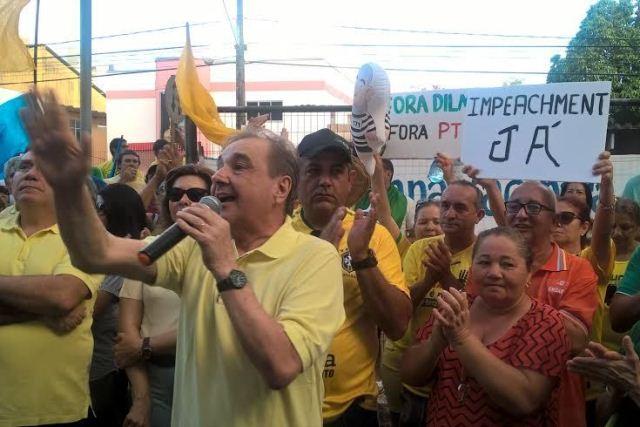 Resultado de imagem para Manifestação Jose Agripino fora dilma