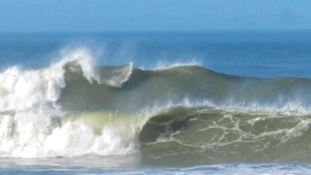 Resultado de imagem para Litoral do RN pode ter ondas de 4 metros e ventos de 60 km/h até quarta-feira