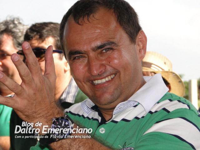 OSIVAN QUEIROZ - O PREFEITO BACURAU DE LAGOA SALGADA - Blog de Daltro  Emerenciano