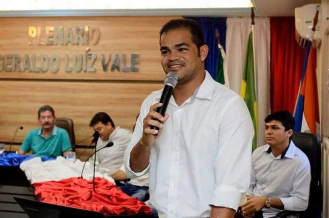 Resultado de imagem para Irmão Naldo (PR) é eleito prefeito de Galinhos