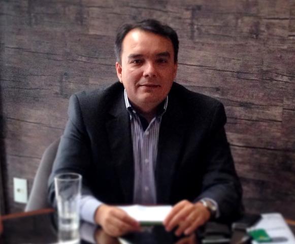 Resultado de imagem para Advogado Cyrus Benavides lança seu primeiro livro na capital potiguar